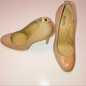 Michael Kors Beige Patent Leather Pump